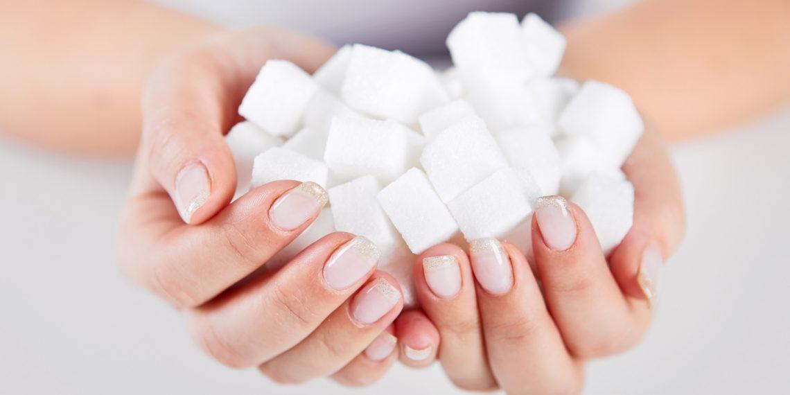 7 признаков того, что вы едите слишком много сахара