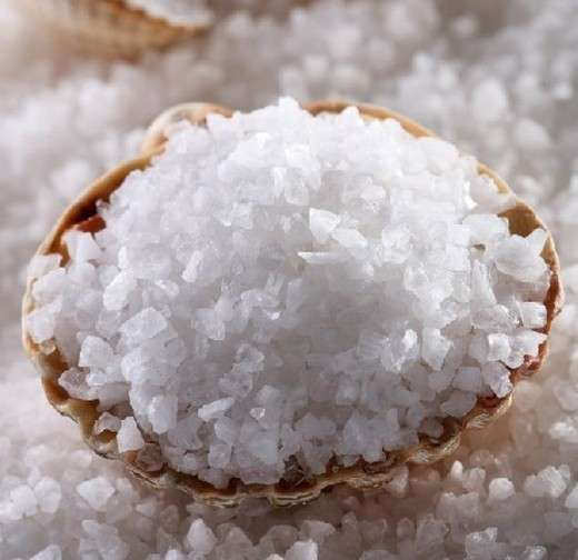Укрепление зубов морской солью