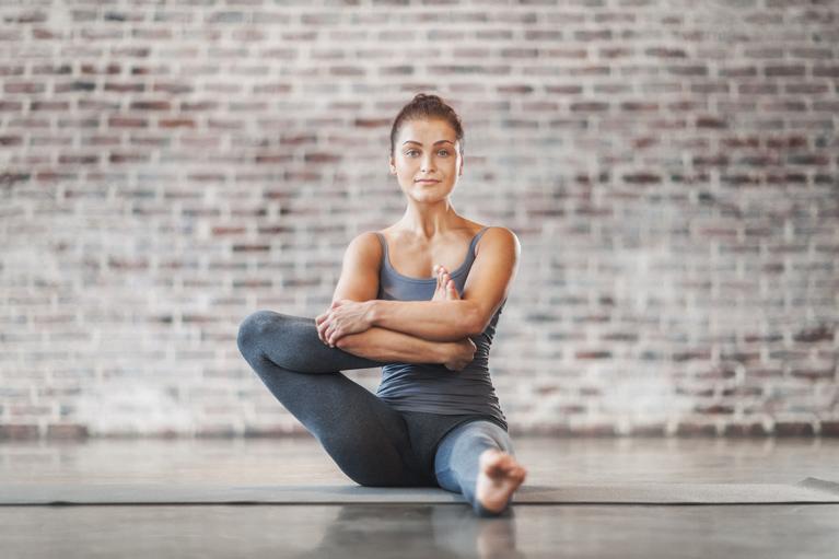 Йога для начинающих в домашних условиях - что и как