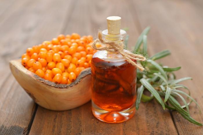Как применять облепиховое масло. Лечебные свойства, польза