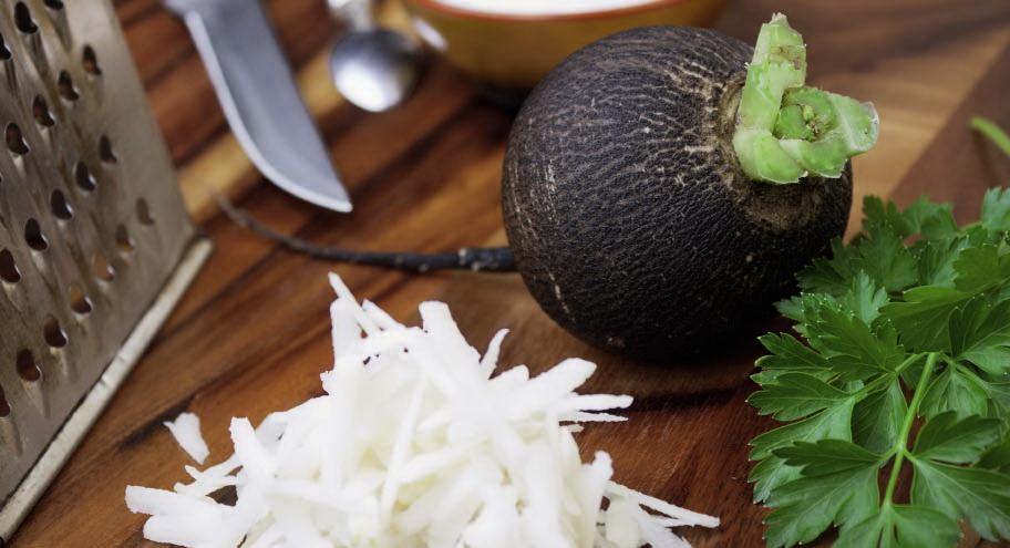 Уникальная черная редька: польза и вред популярного овоща