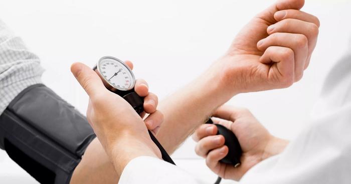 Боремся с гипотонией: как повысить давление?