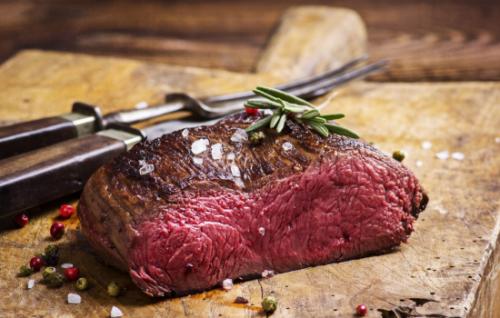 Деликатесное мясо лося: его польза и вред для организма человека, советы по приготовлению и употреблению