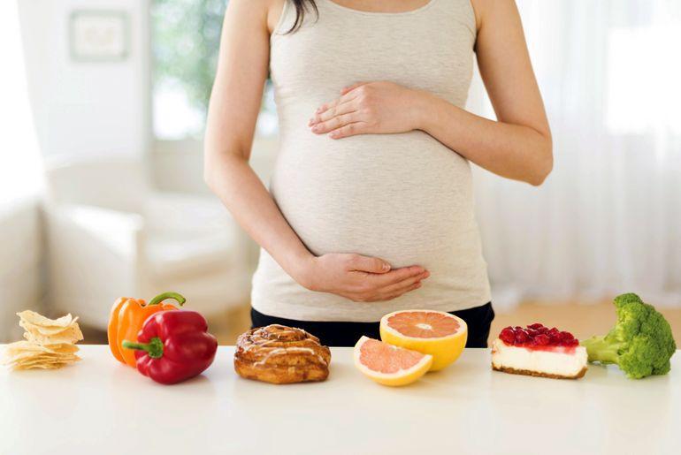 Питание беременной во втором триместре: обсудим нюансы и правила рациона
