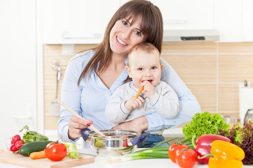 Каким должно быть питание в первые дни после родов: нюансы составления рациона