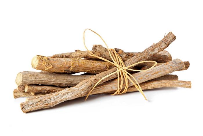 Полезные и лечебные свойства корня солодки, противопоказания, нормы употребления