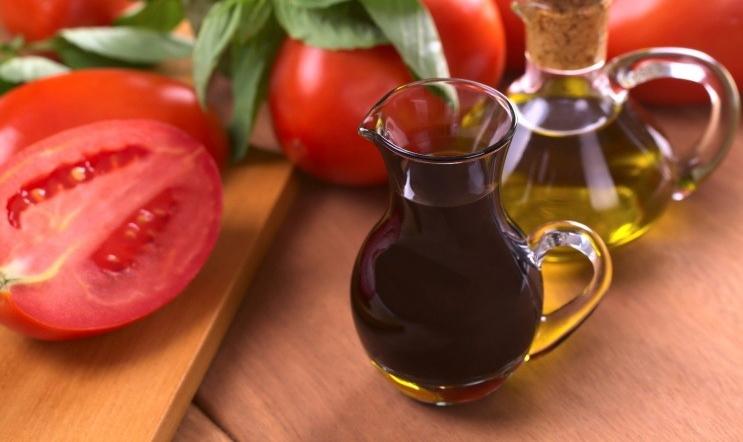 Бальзамический уксус: польза и вред, области применения и кулинарные рецепты